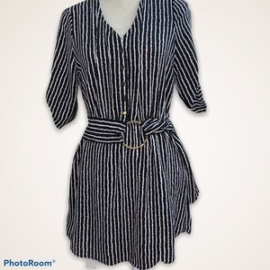 Like new Striped Dress with belt in waist( M size